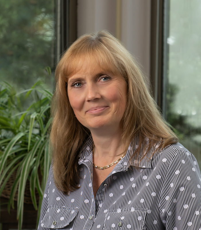 Annette Kirk